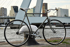 Converted racing Batavus makes a great city-bi...