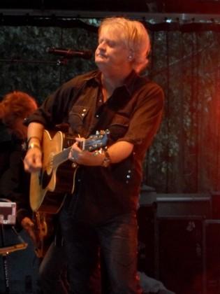 Tom Cochrane GigCity Edmonton Rock Music Festival