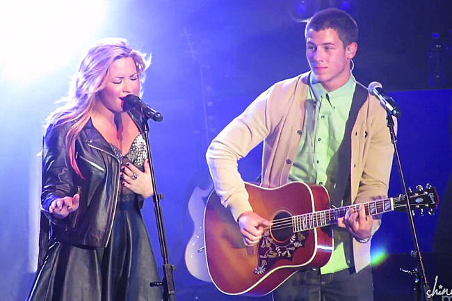 Demi Lovato Nick Jonas GigCity Edmonton